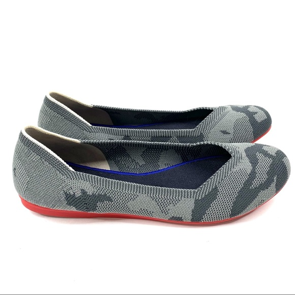 pretty nice 3d1a8 b69fc Rothys Gray Camo Flats Red Sole Round Toe Retired